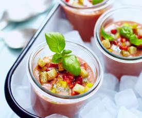 Polévka gazpacho s jahodami