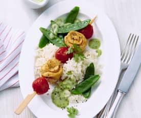 Hähnchenspieße mit Reis und Kaiserschoten