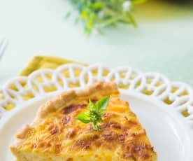 Quiche de cuatro quesos y durazno