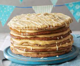 Schokoladenkeks-Torte mit Erdnussbutterfüllung