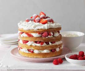 Torta panna, fragole e lamponi
