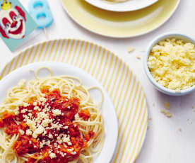 Kürbis-Tomaten-Sauce zu Nudeln