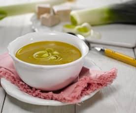 Drožďová polévka s pórkem