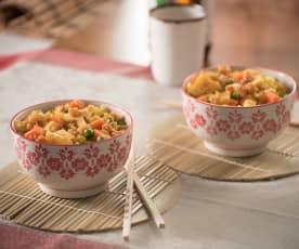 Riz frit au curry et aux crevettes
