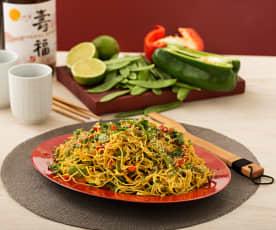 Nouilles chinoises et légumes au curry