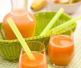 Napój z marchewki, jabłek i banana