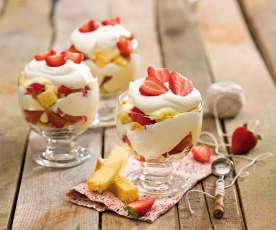 Trifle z truskawkami