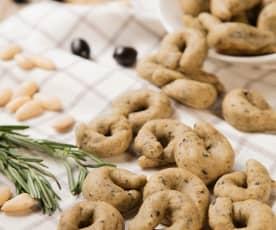 Taralli con farina di mandorle, rosmarino e olive