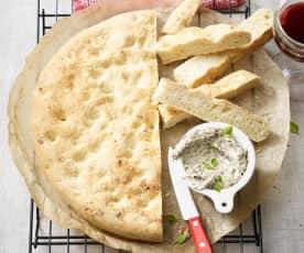 Focaccia mit Käse-Oliven-Creme