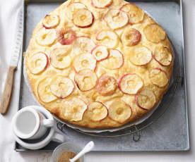 Słodka focaccia z jabłkami