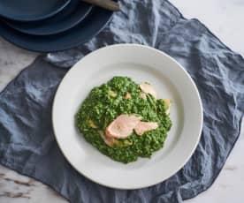 Risoto verde com salmão