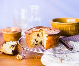 Gâteau au yaourt, pommes et raisins secs