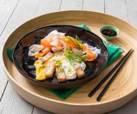 Tortino di farina di riso con verdure sottaceto (Bot chien)
