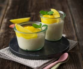Grießpudding mit Mango (vegan)