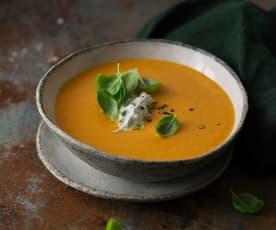 Paradeisersuppe mit Basilikumcreme (vegan)