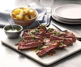 Sirloin Steak mit Heurigen und Chimichurri