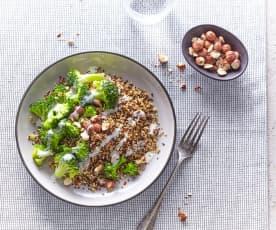Quinoa et brocoli, sauce chèvre-noisettes