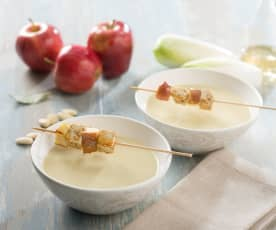 Sopa de endibia y manzana con brocheta de tofu