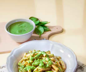 Pasta di lenticchie con crema di stracchino e spinaci