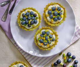 Tartellette al pistacchio, ricotta e mirtilli