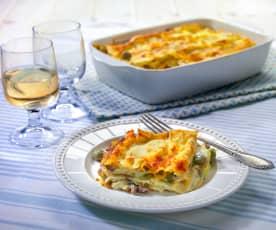 Lasagne con ragù di salsiccia e fave