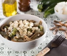 Caserecce di farro con seitan, zucchine e daikon