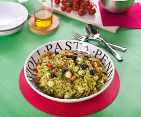 Włoska sałatka z makaronem i pesto