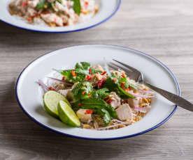 Asiatischer Reisnudelsalat mit Huhn