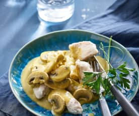 Chicken with creamy vegetable sauce