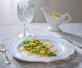 Spigola in crosta di zucchine con salsa al caviale di limone