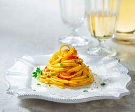Spaghetti pesce spada, peperoni e bottarga