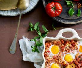 Açorda de tomatada com ovos escalfados