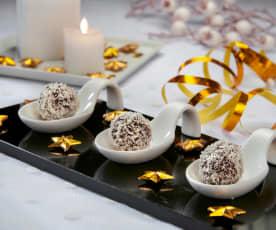 Tartufi al cioccolato fondente e panettone