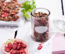 Granola truskawkowo-miętowa