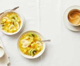 Exoten-Grütze mit Vanille-Crème fraîche