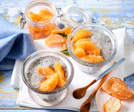 Chia-Pudding mit Clementinenkompott