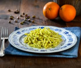 Trofie pesto di pistacchi e arancia