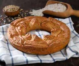 Corona di pane sfogliato ai cereali