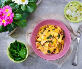 Pappardelle spinaci e cipollotti