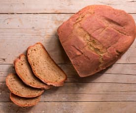 Pane rosa alle barbabietole e finocchietto selvatico