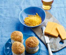 Pães de cerveja e queijo