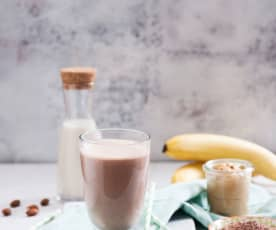 Czekoladowy shake proteinowy