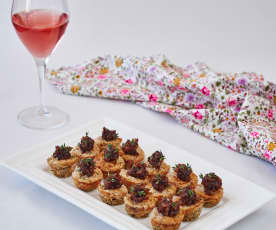 Gorgonzola cheesecakes with pear jam