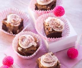 Buttermilch-Brownies mit Haselnuss-Karamell-Creme