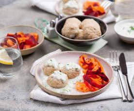 Pulpety z indyka z warzywnym tagliatelle i sosem tzatziki