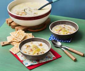 New England clam chowder (Sopa de almejas de Nueva Inglaterra)