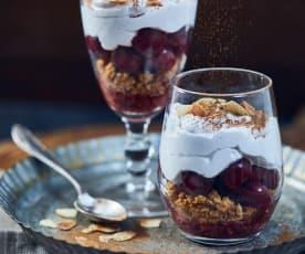 Veganes Lebkuchen-Trifle mit Kirschen