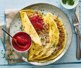 Hackfleisch-Omeletten mit Randen-Apfelmus
