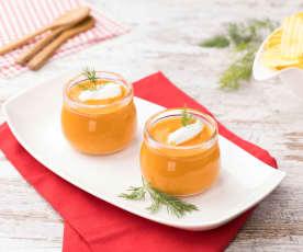 Vellutata fredda di pomodoro e yogurt greco
