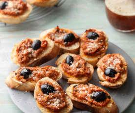 Tuna Niçoise Toasts